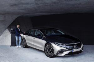 La nuova Mercedes EQS promossa dal P3 Charging Index 1