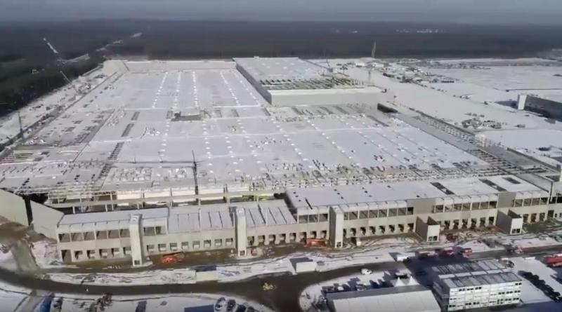 Il lancio della produzione tedesca Tesla slitta a inizio 2022