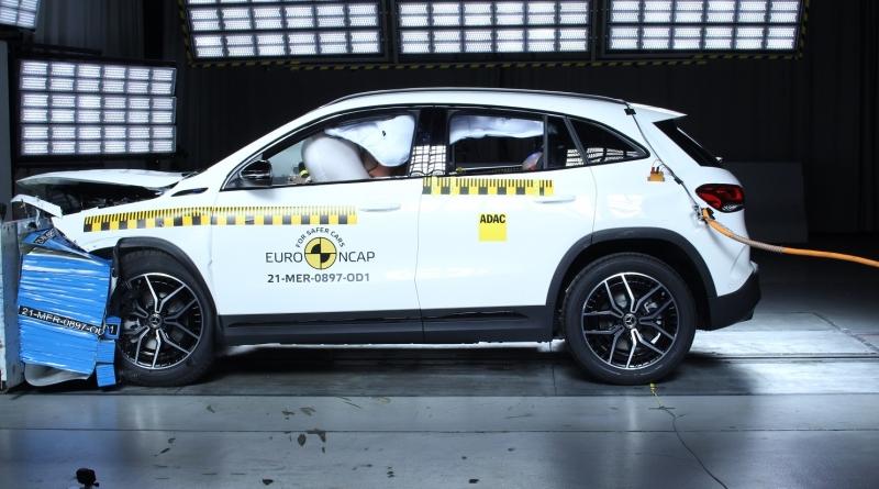 Cinque stelle di sicurezza a Polestar 2 e a Mercedes-EQ EQA
