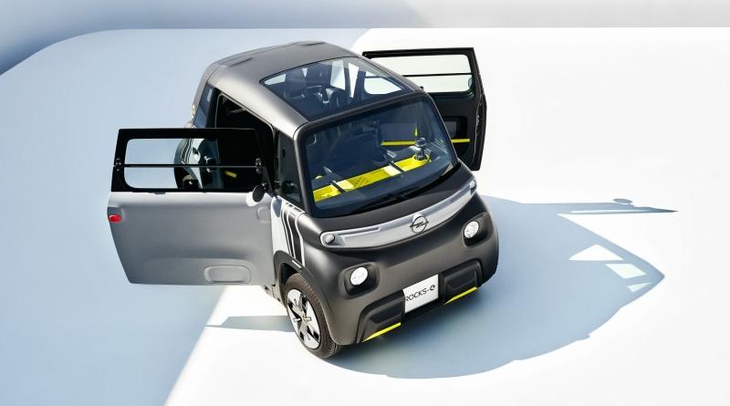 Opel Rocks-e pronta alla sfida con monopattini ed e-bike