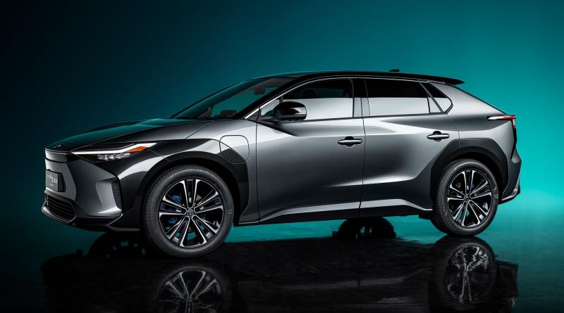 Toyota rafforza gli investimenti nell'elettrico, per BZ4X e quelle che seguiranno